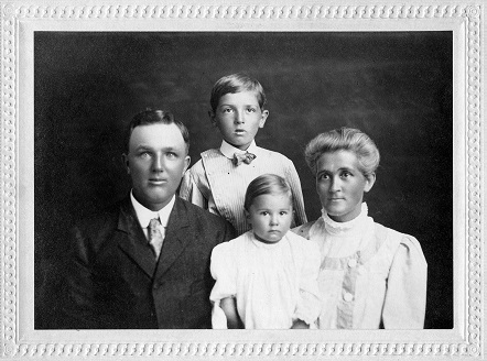 Jonah, Abby, Ray and Mabel Brockett 1908