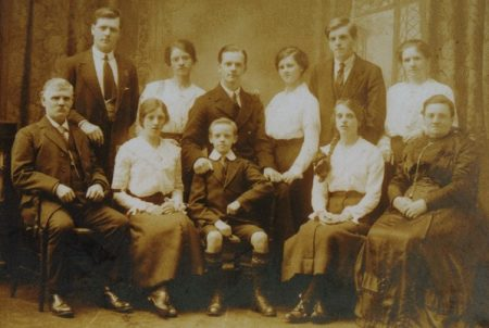 David McFarlane and Jessie's family c 1916